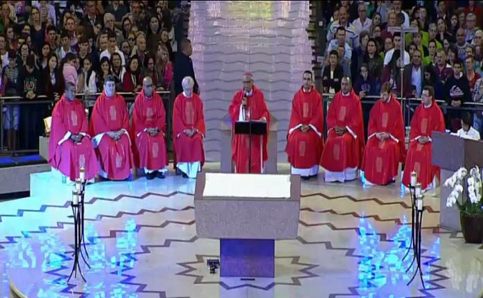 Dom José preside missa no Santuário Nacional de Aparecida